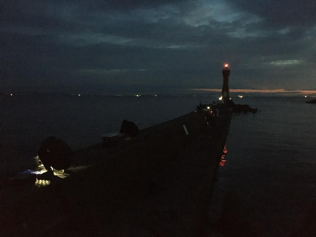 9/5の深日港 赤灯台